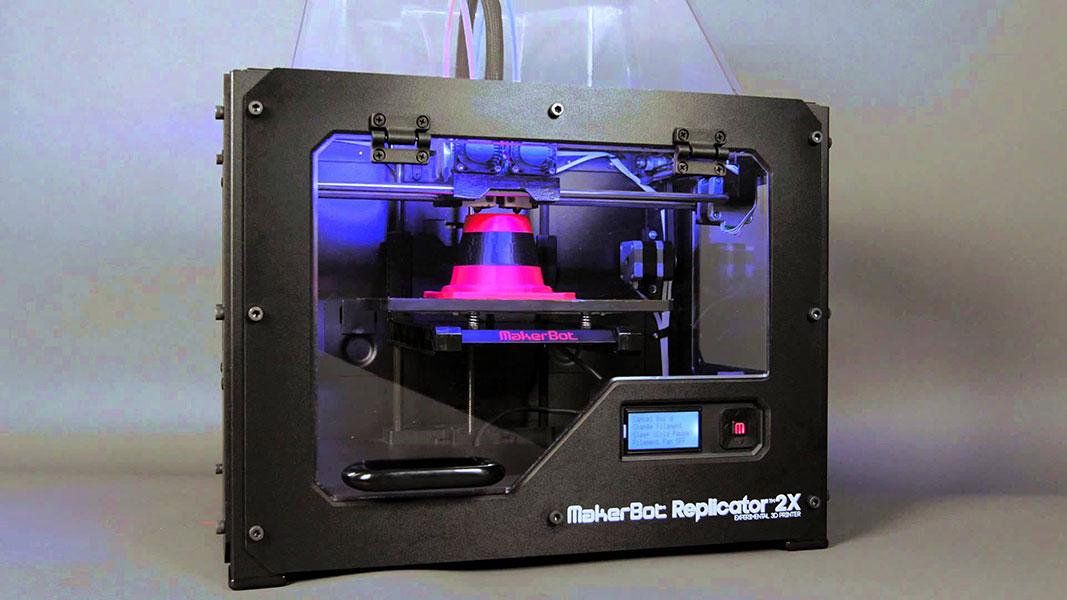 3D printer Makerbot Replicator 2X perspective