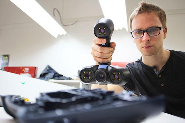 3D scanner creaform goscan20, in use