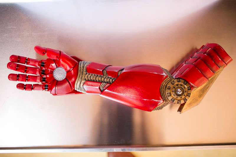 3D printed prosthetics adjusted thanks to a 3D body scanner.