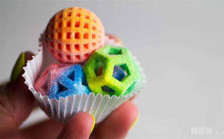 Des bonbons colorés imprimés en 3D par la Chefjet de 3D Systems.