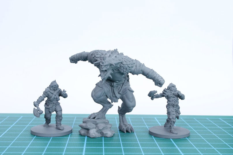 3D printed Warhammer figurines at home.