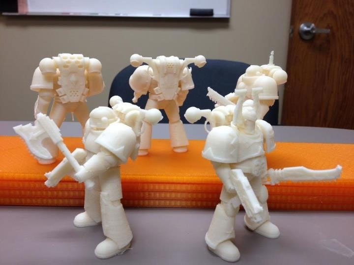 3D printed Warhammer figurines with the Mojo, a 3D printer by Stratasys.