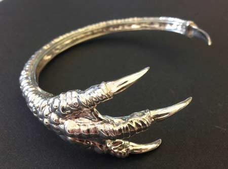 The Dragon Claw bracelet, 3D printed in metal, by Dropping Form Designs. 3D printing for jewelry.