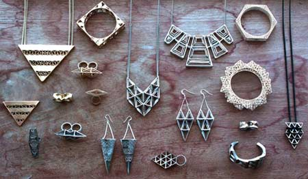 Fathom & Form Jewelry, a San Francisco based jewelry studio, used 3D printing to create a line of geometric jewels. The Dragon Claw bracelet, 3D printed in metal, by Dropping Form Designs. 3D printing for jewelry.