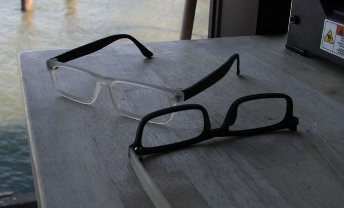 Deux exemples de lunettes qu'il est possible de fabriquer soi-même en suivant le tutoriel proposé.