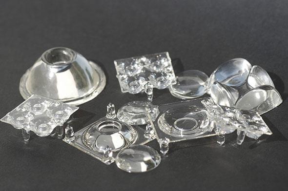 Plusieurs prototypes imprimées en 3D par la société LUXeXCEL à l'aide de la technologie Printoptical.