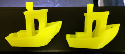 Settings for 3D printing the filaFlex are tricky. On the left Benchy 3D printed at a 100 microns resolution, on the right at 200 microns
