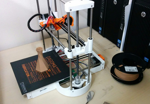 Our Dagoma Discovery200 setup with Polymaker Polywood filament.
