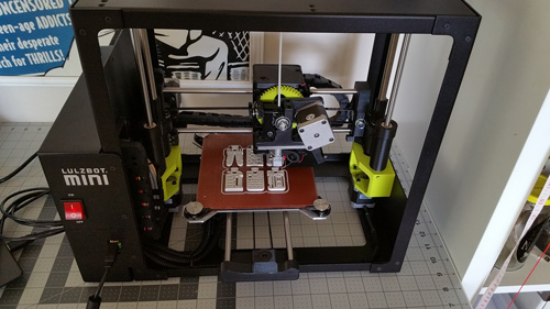 Lulzbot Mini 3D printing the 3DKitbash torture tests.