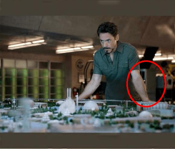 Dimension Elite 3D Printer in the background of Tony Stark's lab.