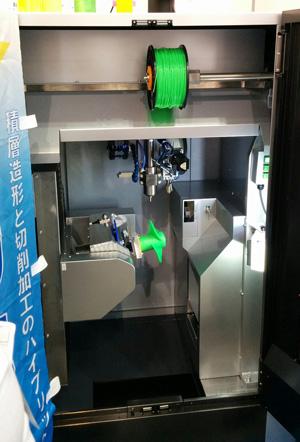 The ENOMOTO 3D5X-α 3D printer