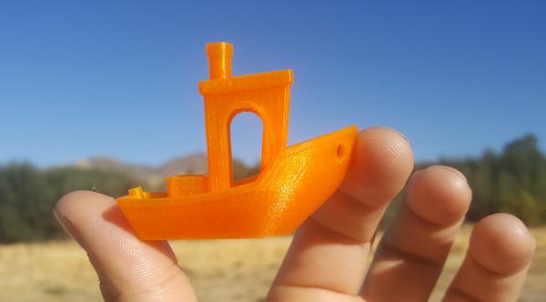 3D Benchy 3D printed on the Dremel Idea Builder 3D40 3D printer.