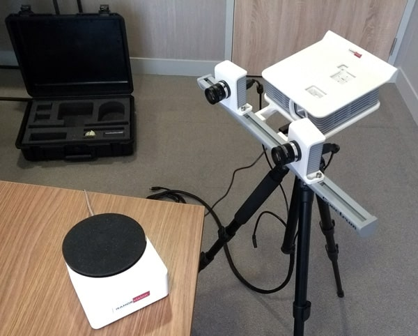 The RangeVision Spectrum 3D scanner and automatic turntable.