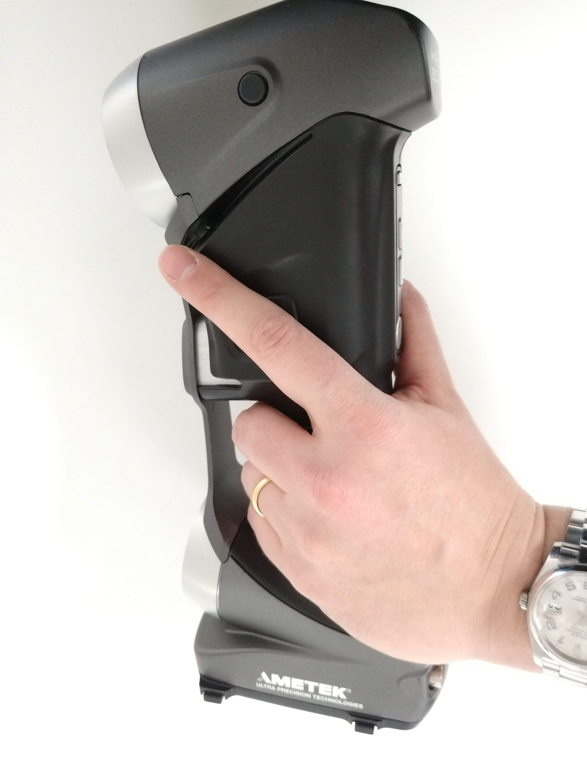 Hand position when holding the HS700